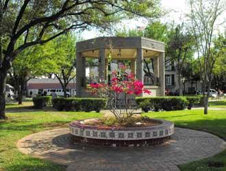 San Augustin Plaza