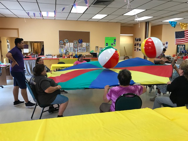 Parachute Exercise game at LaDrillera